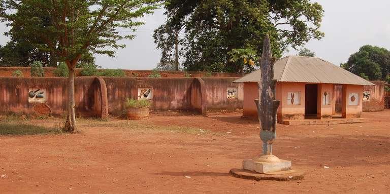 DÉCRYPTAGE /  L'incendie au musée d'Abomey alarme sur la sécurité des trésors du Bénin